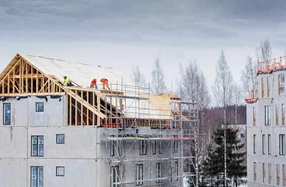 Jyväskylän Aallonportin työmaalla turvallisuuden painoarvo korostuu entisestään: työmaa on lähes kaupungin keskustassa, vilkkaasti liikennöityjen katujen välissä.