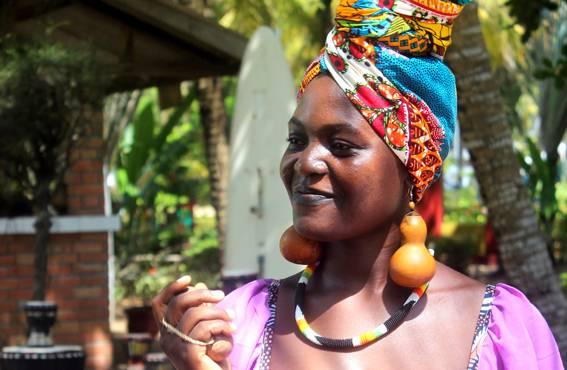 Köyhyys, työttömyys ja kasvavat elinkustannukset houkuttavat ulkomaille. Monien beniniläisten läheiset ovat muuttaneet ansion perässä toisaalle.