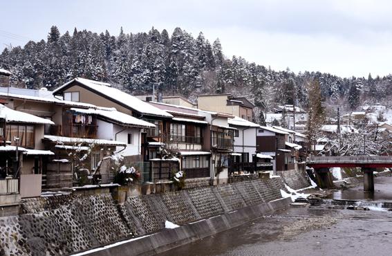 Japanin Alpeilla sijaitseva Hida Takayama on suosittu turistikohde, jonka vanhakaupunki on 1600-luvulta.