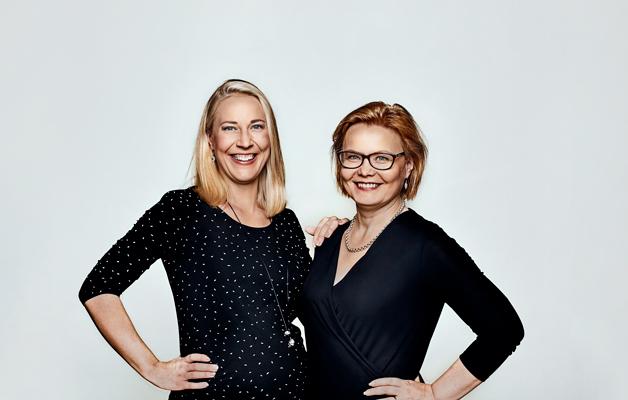 """Psykologian tohtori Mona Moisala ja professori Minna Huotila suosittelevat """"pysähtyneitä hetkiä"""" ennen nukkumaanmenoa."""