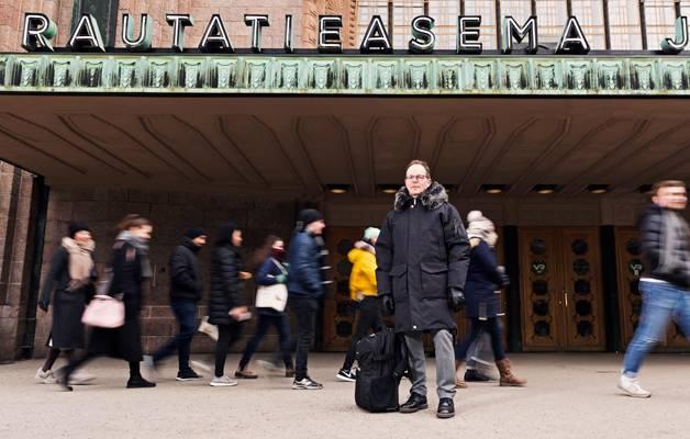 – Vaihtuvat maisemat tarjoavat uusia lenkkeilymahdollisuuksia, ja matkustankin aina lenkkivarusteet laukussa. Samalla tulee huolehdittua fyysisestä ja henkisestä hyvinvoinnista työn ohessa, Tuomo Airisniemi sanoo.