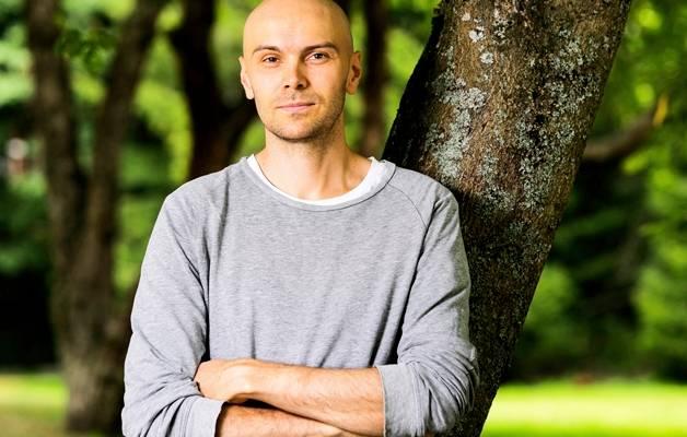 Millainen suhde Y-sukupolvella on työhön ja miten se tulisi ottaa huomioon työelämässä ja johtamisessa, pohtii kolumnissaan Mikko Piispa.
