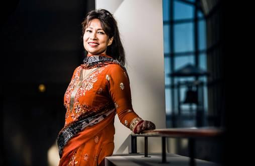 Nafisa Yeasmin kertoo kotutumisen olevan pitkä prosessi. – Minullakin on vielä paljon oppimista, vaikka olen asunut täällä jo 14 vuotta.