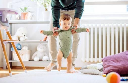 Vanhempien tulee voida pitää äitiys-, isyys- ja vanhempainvapaita ilman, että yhdenkään perheen valintoja kummastellaan.